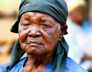Portrait d'une femme âgée. Mozambique. Photo: Eric Miller/ World Bank / Flickr (c.c)