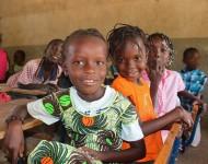 Petites filles dans une classe de primaire de Soucouta, Sénégal / Photographie UNESCO Africa / Flickr (c.c)
