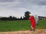 Femme rurale au Maroc (2015)/ Photographie  Amina Tagemouati (flickr c.c)