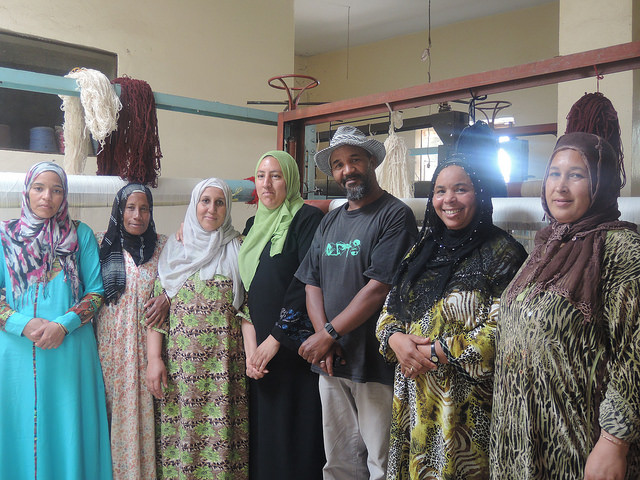 Membres du bureau de l'association Tifsa. Femmes tisserandes d' Aïn Leuh, Maroc. Photo Silvia Irace, The Advocacy Project / Flickr (c.c)