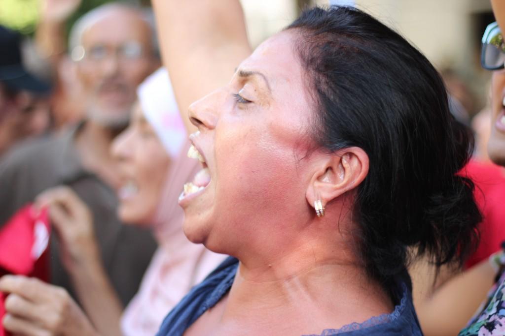 Lors d'une manifestation contre le viol de deux femmes par la police (Tunis 2012)/ Photographie Amine GHRABI (flickr c.c)